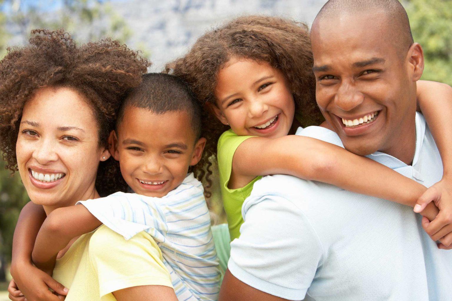 parents-with-kids-1536x1024